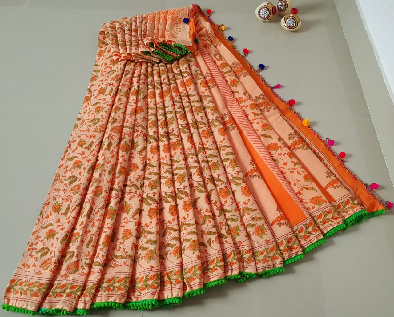Mul mul Cotton with pom pom lace saree 1