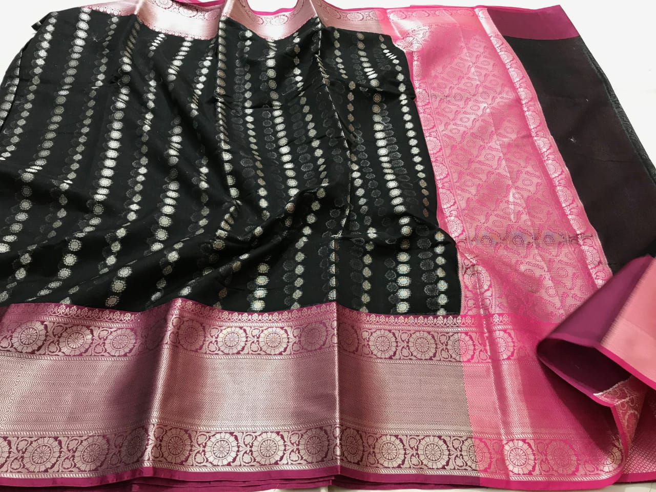 Soft Muslin Kora weaving Saree 1